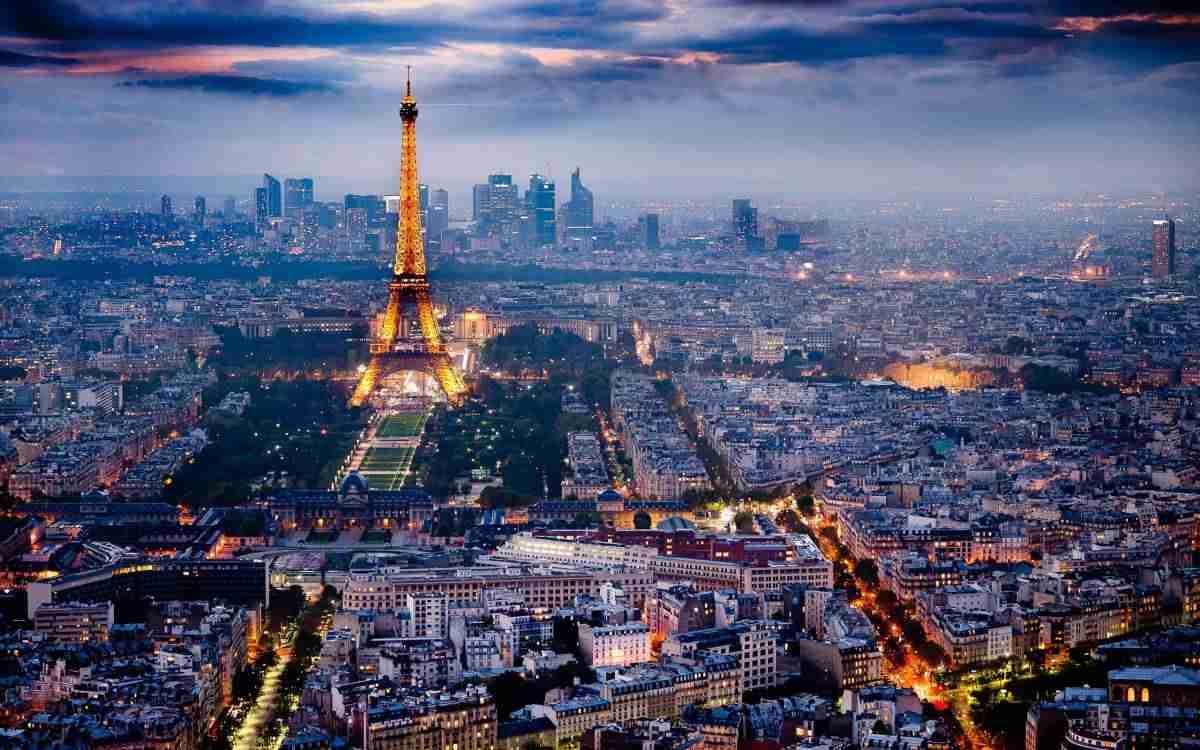 Terrorismo e scontri sociali: come cambiano gli investimenti immobiliari a Parigi